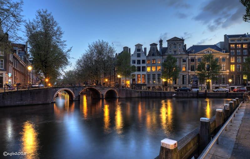 Canal_de_Herengracht_Amsterdam