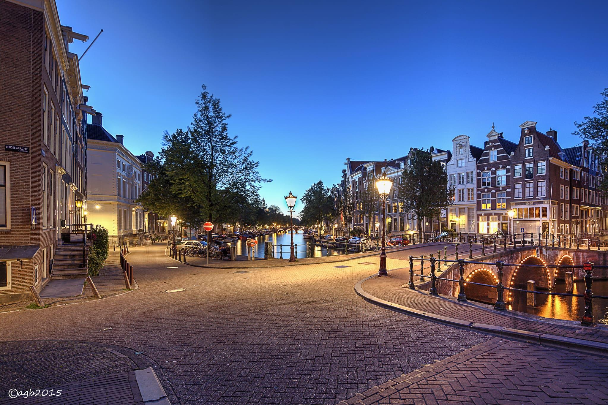 Canal_de_Keizersgracht_Amsterdam