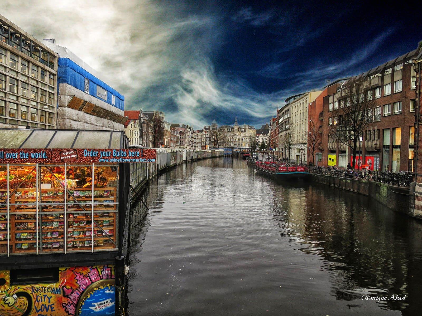 Canal_de_Singel_Amsterdam